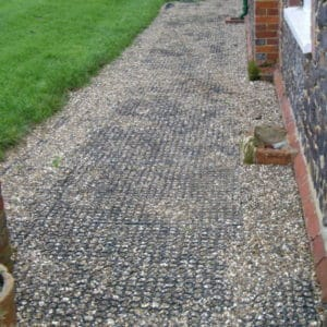 Fieldguard Regular Honeycomb mat gravel path