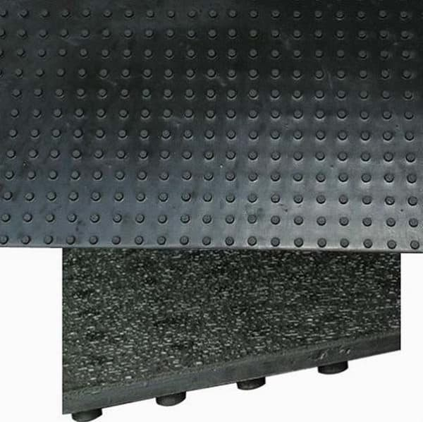 Draining rubber stable mats