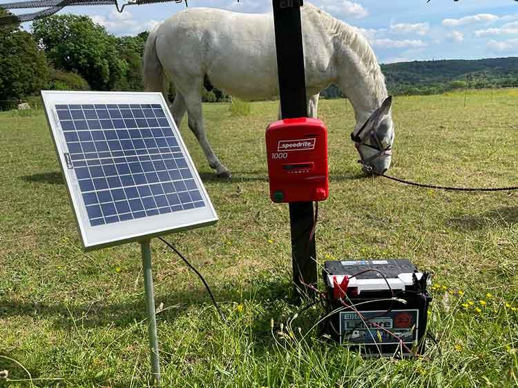 Solar-Panels-and-Speedrite-Energisers